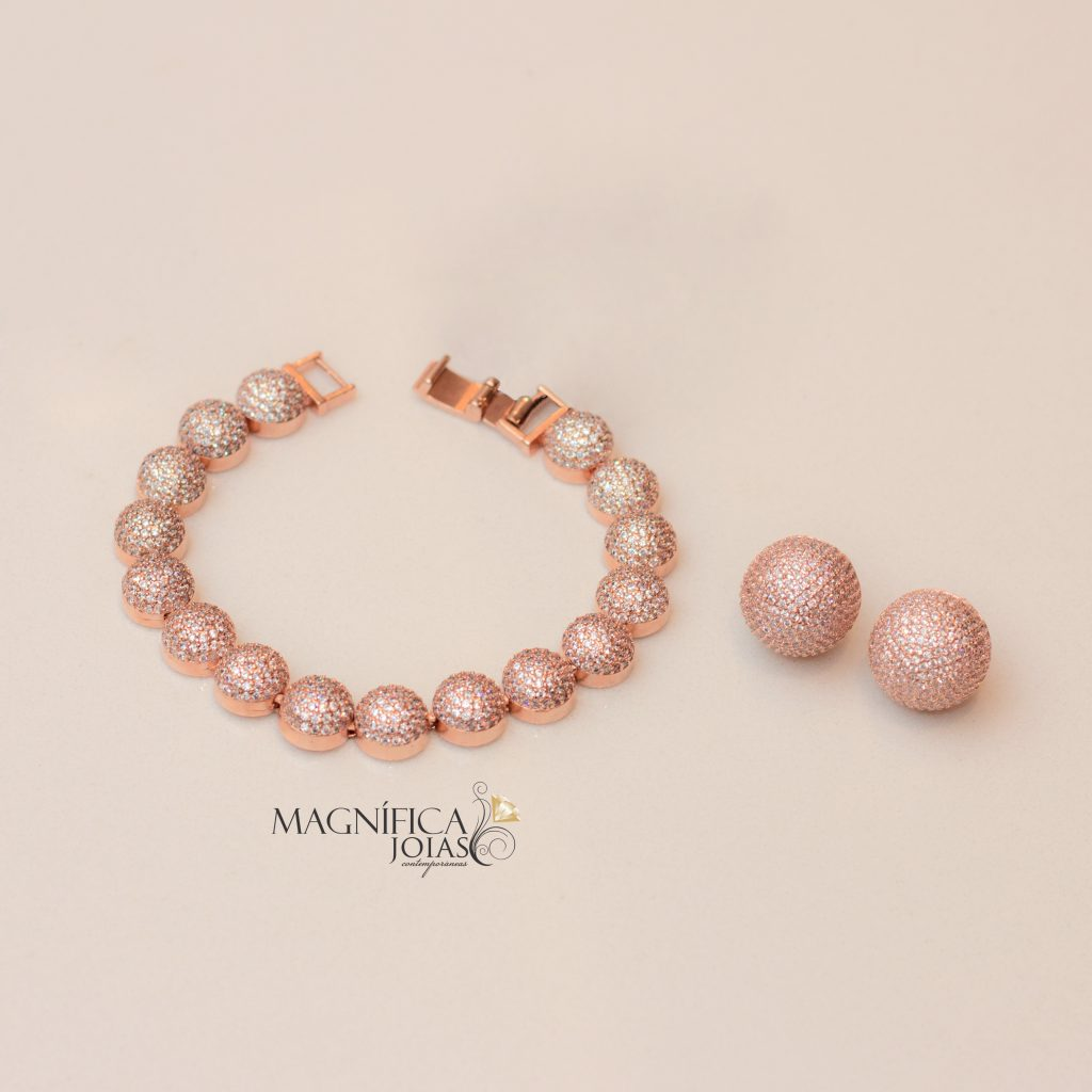 Brinco e pulseira de rouro rose cravejados com micro zirconias semijoia