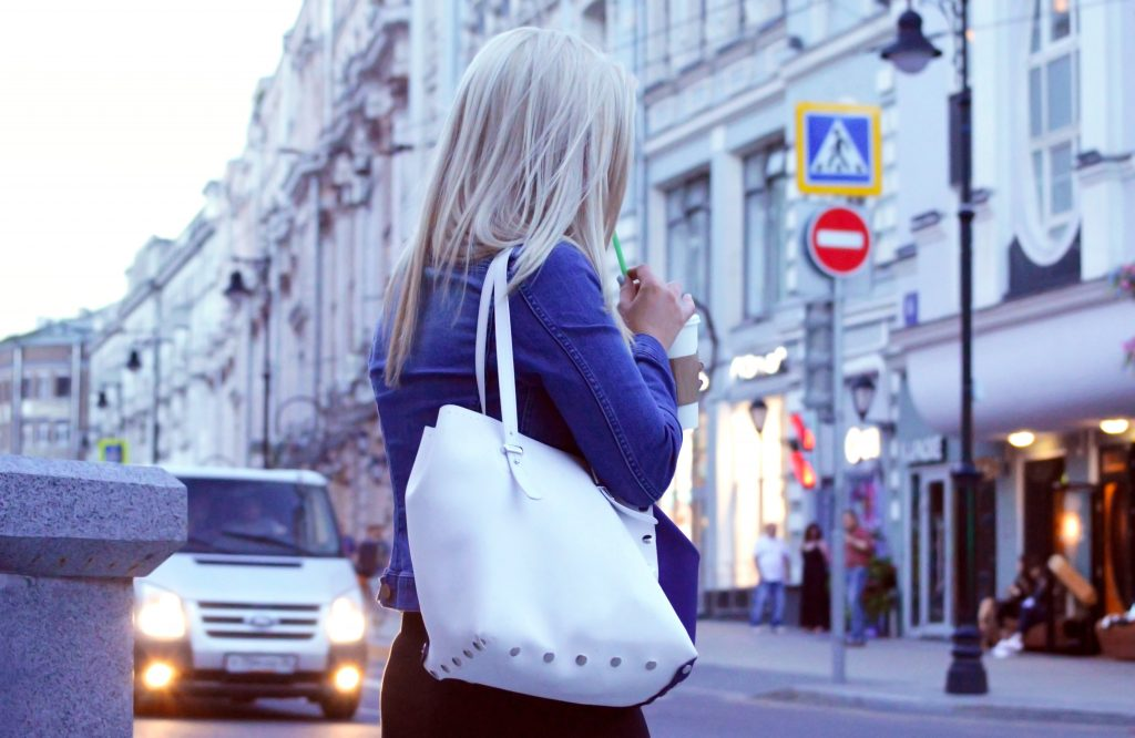 acessórios femininos - bolsa de couro branco
