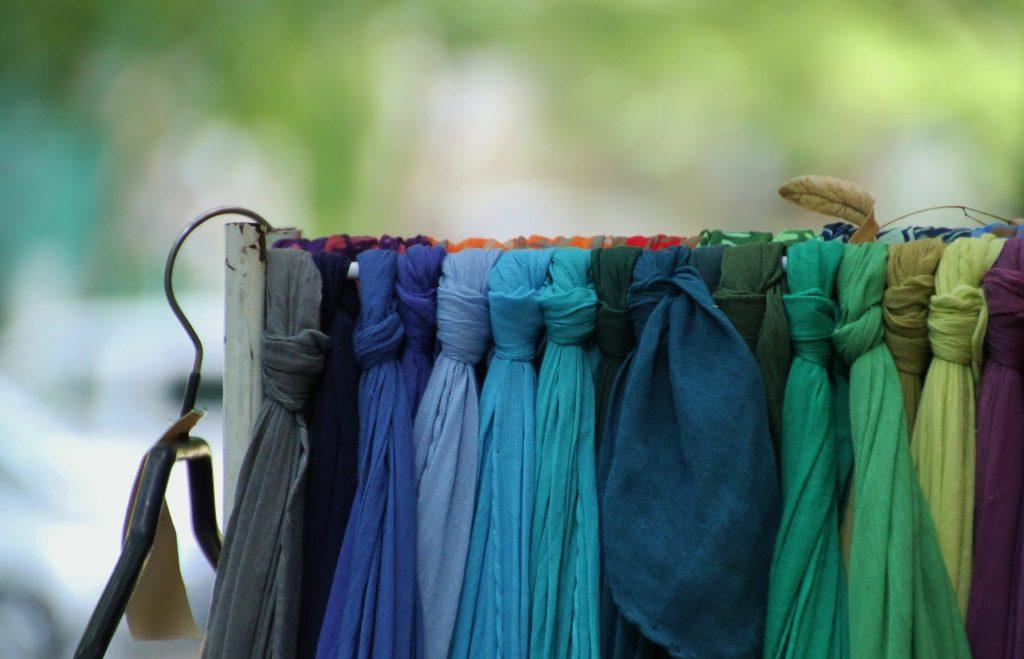 acessórios femininos - lenços coloridos