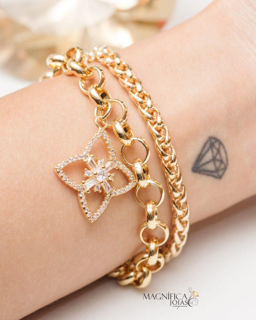 Mix de pulseiras douradas de correntes femininas semi joia